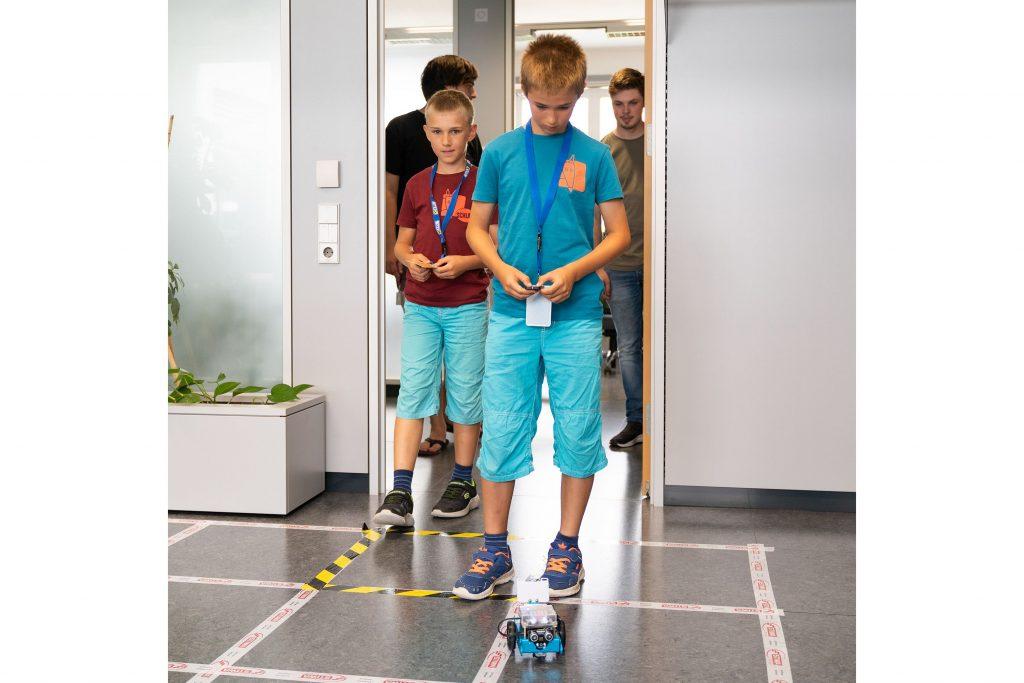 Welcher Roboter meistert alle Hindernisse?